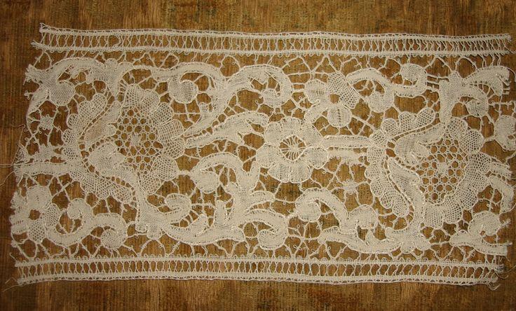 19th century Le Puy handmade bobbin lace sample