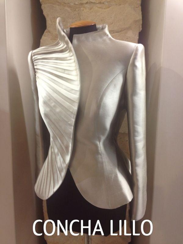 Espectacular chaqueta que se hace en todos los colores habidos y por haber.. Compra la tuya de fondo de armario..