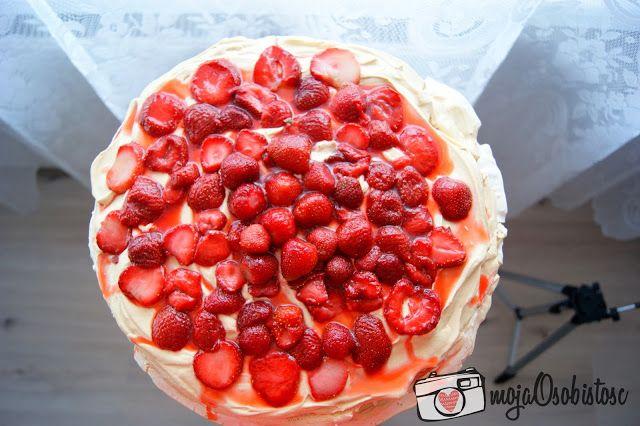 PRZEPIS NA TORT BEZOWY Z TRUSKAWKAMI   Moja Osobistosc