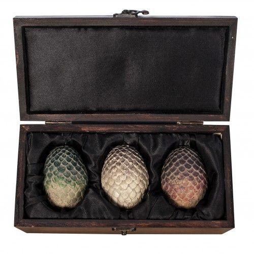 Game of Thrones Dragon Eggs Collectible Set, if someone game me this at my wedding I would totally geek out.