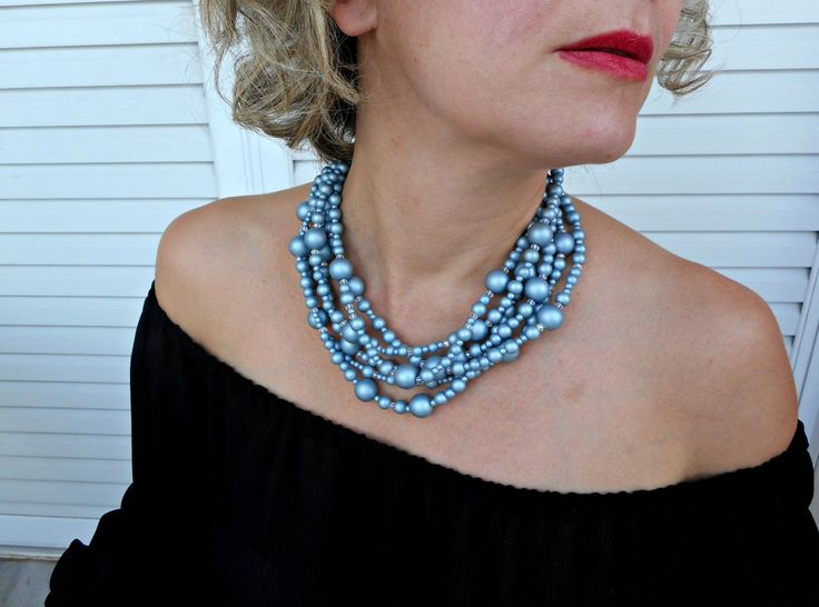 thinking this style for pearl necklace, but less difference in sizes of beads - pearls + crystals, maybe not so tangled?