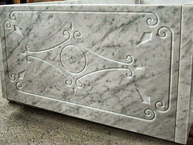 La fresa a ponte #Breton Smart-Cut 800 mentre incide sarcofago in marmo. ~ il laboratorio del marmista