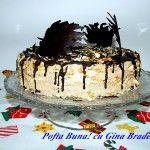 Tort Carmen- straturi crocante de foietaj si crema pufoasa de ciocolata cu rom. Un vis pufos si delicios. :)