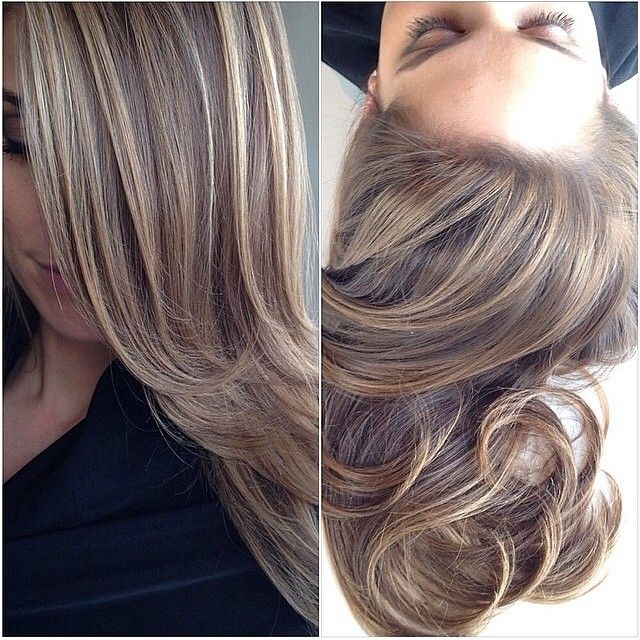 #WCW goes to @kristenbrockman and her stunning caramel, hazelnut hair color by @riawnacapri!
