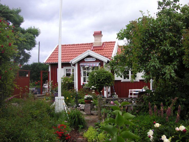 schwedisches holzhaus schweden pinterest. Black Bedroom Furniture Sets. Home Design Ideas