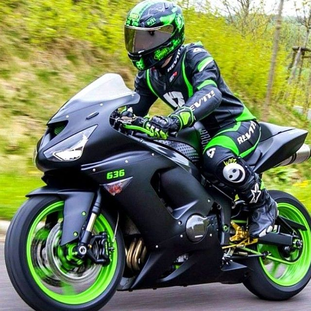 Les 25 meilleures id es de la cat gorie kawasaki ninja sur for Show me the color green