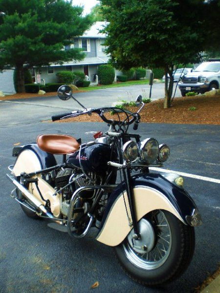 1947 Indian Chief Now that's a damn good-looking bike!