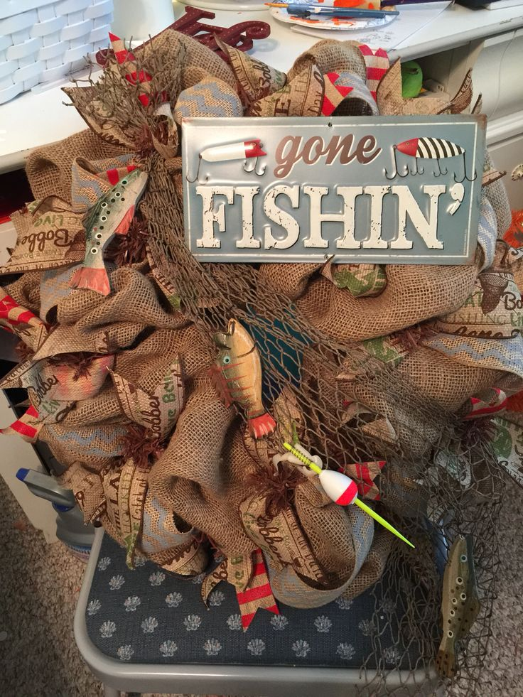 Gone fishing wreath