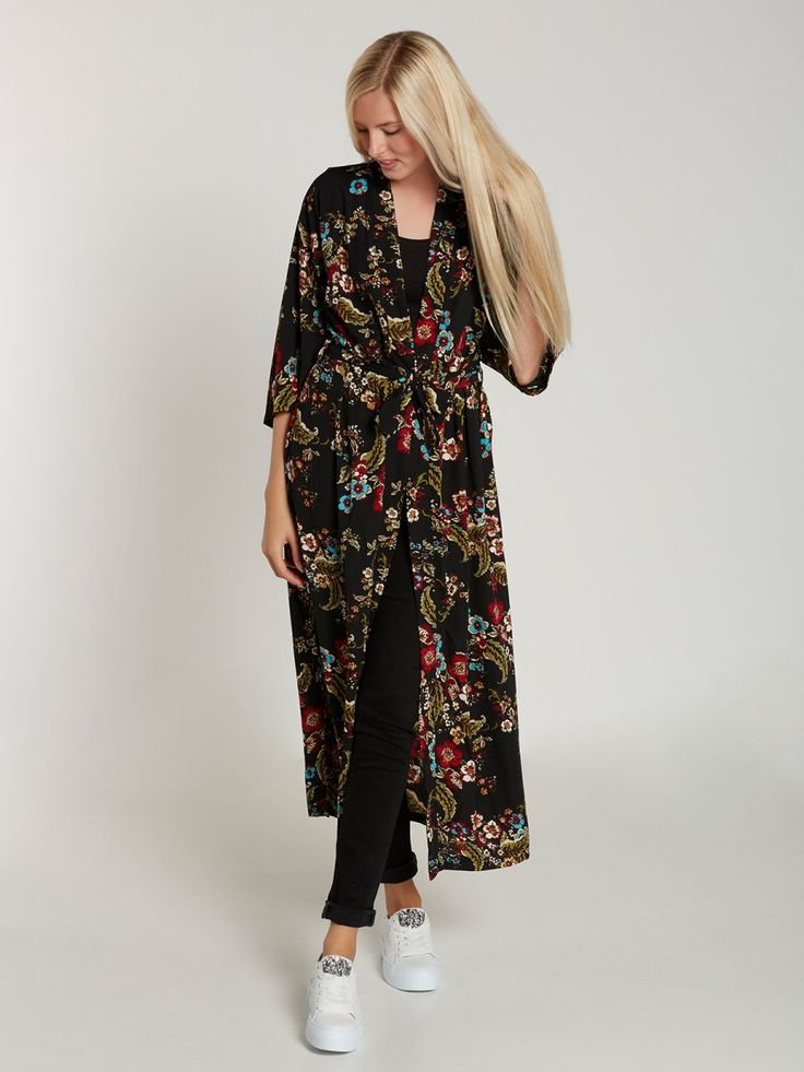 LOVELY Kimono #womensfashion #genuine #vintage #chanel #streetstyle #stylish #outfit #fashionista #fashionblogger #designers #instafashion #ootd #lookbook #beachwear #summer #summerstyle #brands