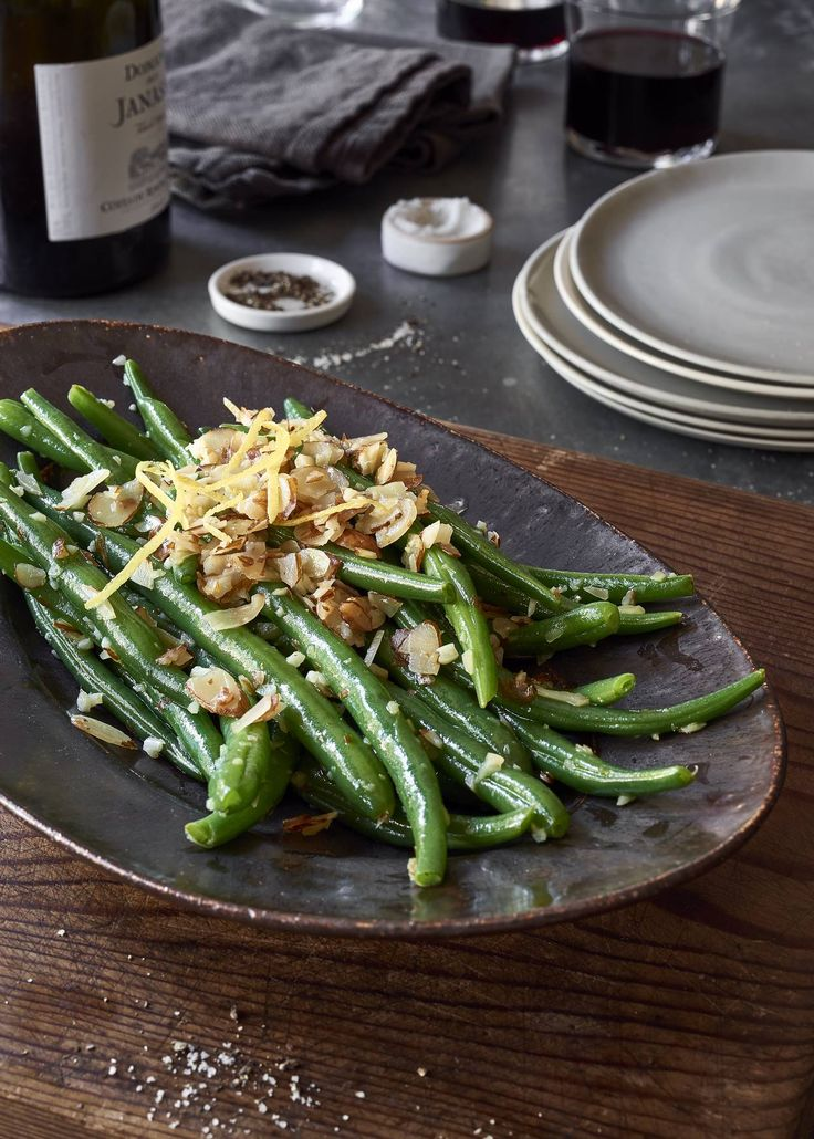 Lemon Garlic Green Beans with Sliced Almonds - These lemon garlic vegan green beans are quick, easy, and delicious. Perfect for Body Ecology or Alkaline diets, and a great holiday side dish.