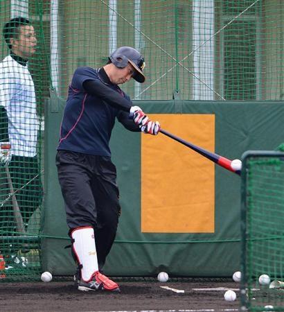 伊藤隼は屋外初のフリー打撃で打率5割。将来は虎のイチローや!!(撮影・岡田亮二)
