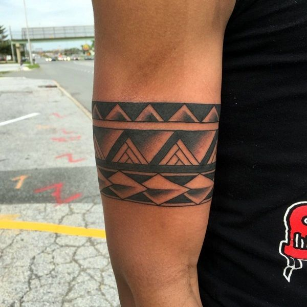 45 Masculine Armband Tattoo Designs for Men