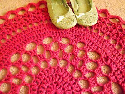 Free crochet pattern - Doily rug