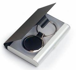 Portachiavi in lega di zinco, la cui confezione in alluminio può essere reiutilizzata come portabiglietti da visita - Ottima idea regalo a buon prezzo http://www.ibiscusgadget.it/prodotto/cuoro/