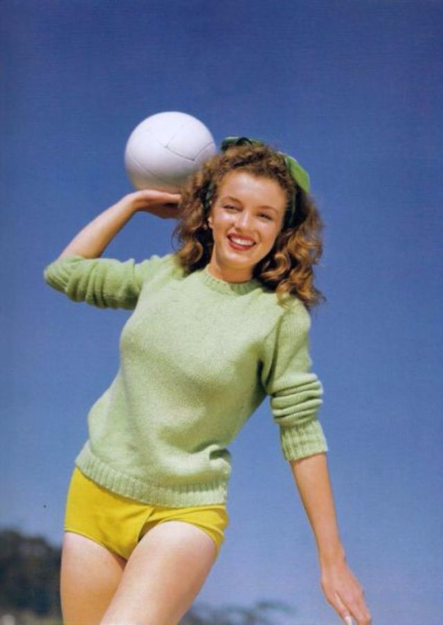 Marilyn Before She Was Marilyn: 15 Beautiful Color Photographs of Norma Jeane in the 1940s