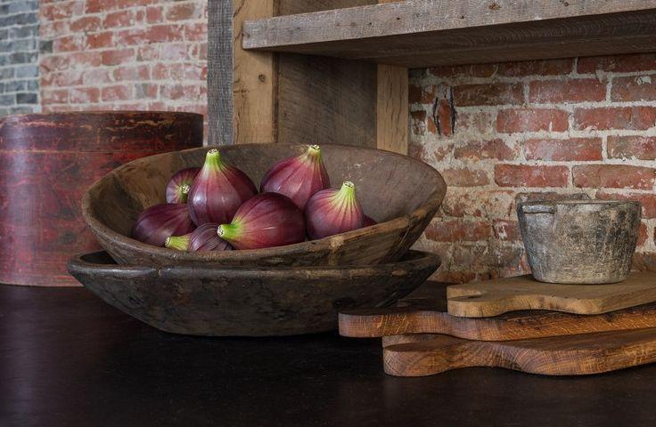 Authentieke houten schalen en keramieke decoratie vijgen - Authentic wooden trays and ceramic decorative figs - #WoonTheater