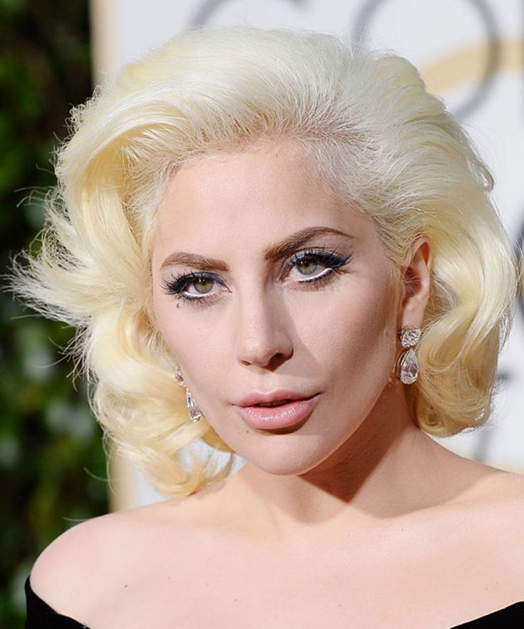 The Best Beauty Looks From The Golden Globes #refinery29  http://www.refinery29.com/2016/01/100905/golden-globes-2016-best-hair-makeup