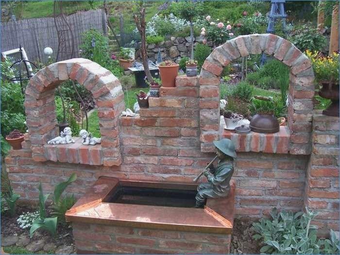 Bauen Mit Ziegelsteinen Im Garten Siddhimindfo Gartenideen Mit Alten Ziegeln Steinmauer Garten Gartenmauern Garten