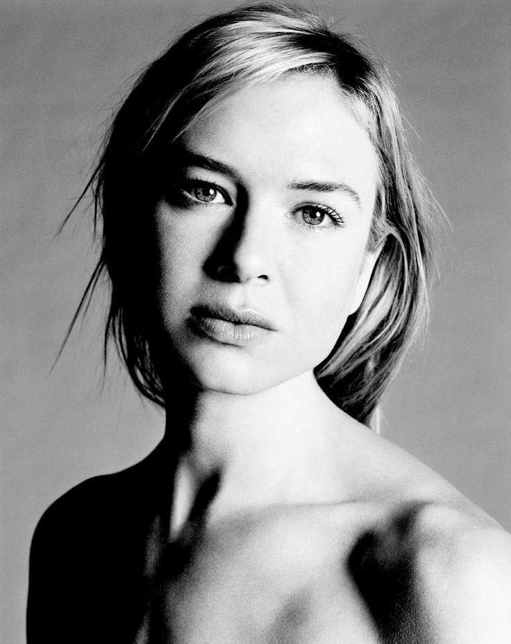 Renee Zellweger - actresses Photo I sat next to her at an Eric Clapton concert last week and she was the most naturally beautiful women I had ever seen.