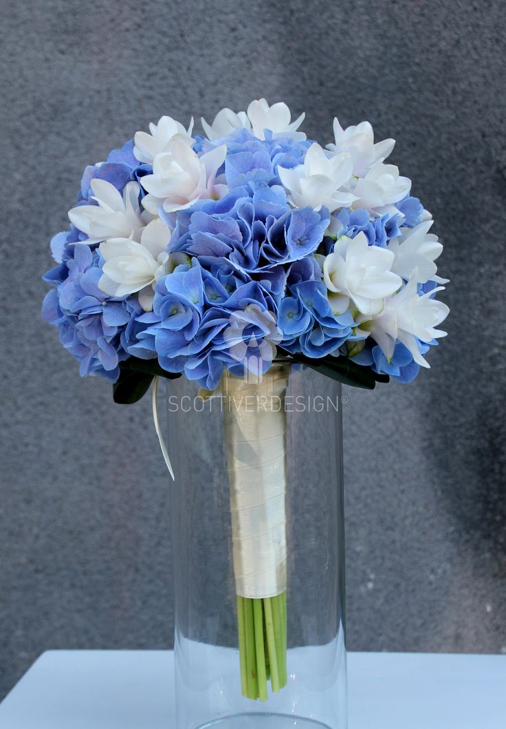 bouquet con ortensie e curcuma