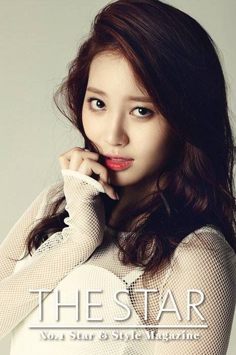 Girl's Day's Yura is sexy in white for 'The Star' magazine   http://www.allkpop.com/article/2014/06/girls-days-yura-is-sexy-in-white-for-the-star-magazine