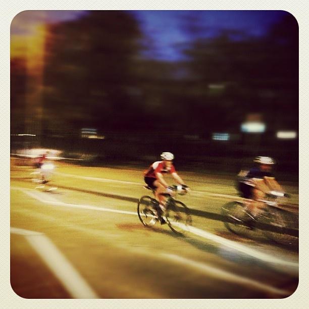 Hitting it early at Bondi #cycling #atbondi #cyclists #bondi #early #morning #sydney #fitness #healthy