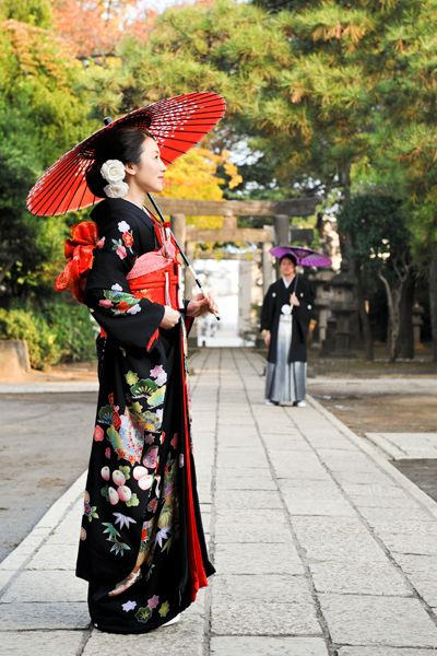 kimono and umbrella-- wedding photo #japan #women #kimono #wedding #fashion