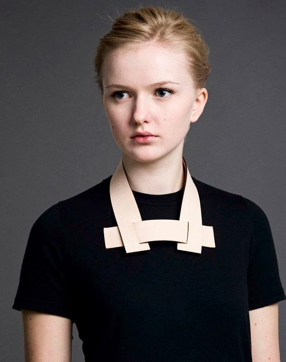 STAKA Staka marks the first collection in an ongoing series between Icelandic product designers María Kristín Jónsdóttir and Bylgja Svansdóttir, comprising a curious mix of finely crafted unisex leather neck accessories.