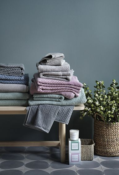 Lyxiga handdukar i vår bästa frotté från Hotels Selection.