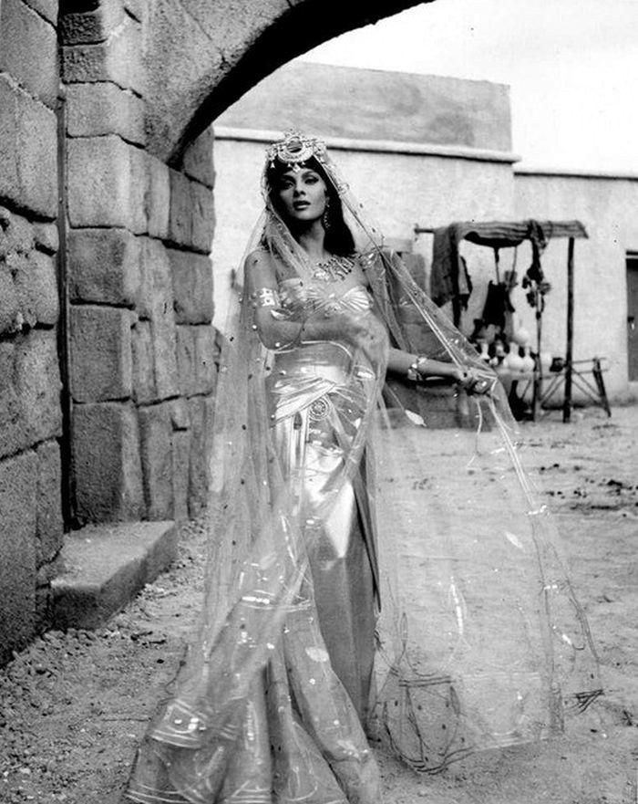 """Gina Lollobrigida in """"Solomon and Sheba"""""""