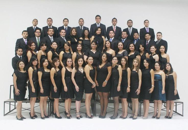 Foto grupal de graduación Ciencias Jurídicas UCA sábado 19 de mayo 2012