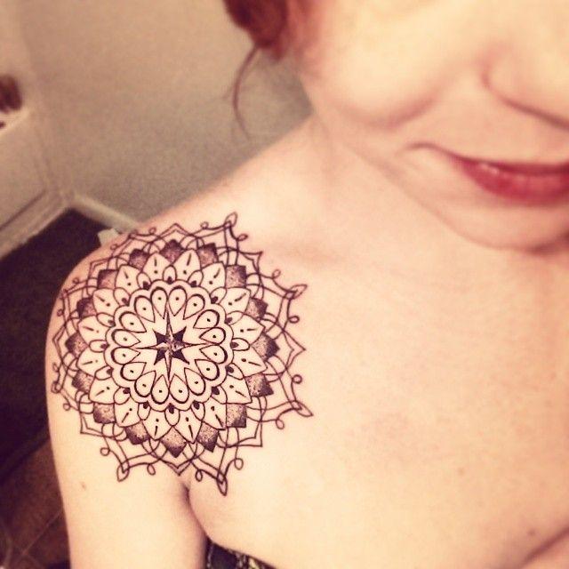 Mandala Gotas En El Hombro Tatuajes Tatuajes Tatuajes Mujeres Y