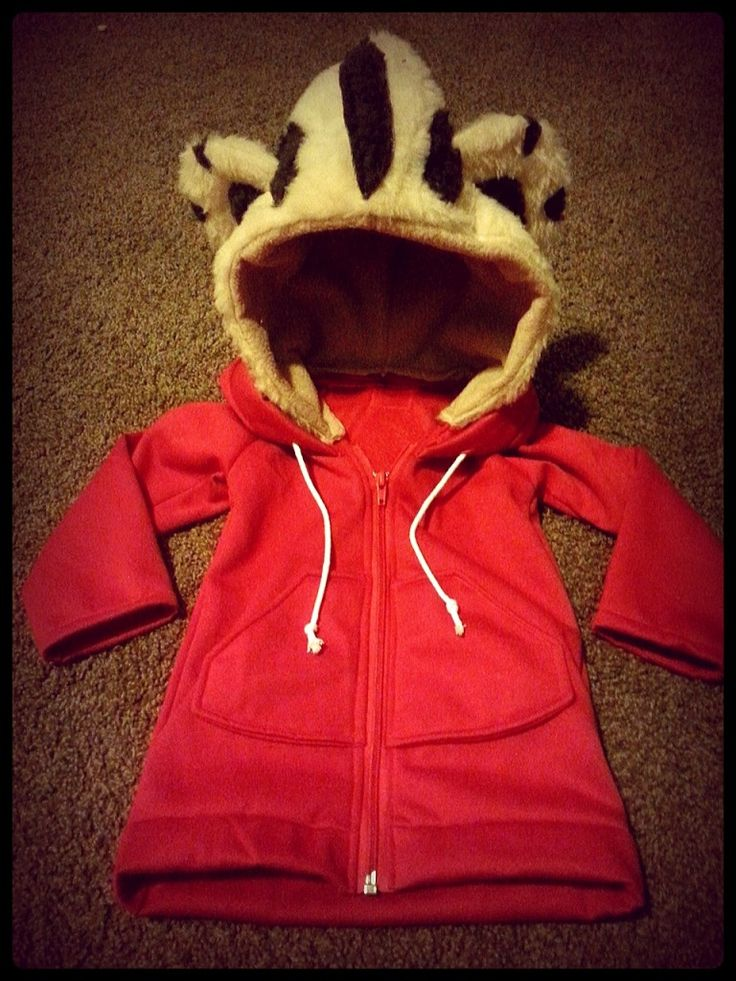 DIY Daniel Tiger Costume - Sippy Cup Mom