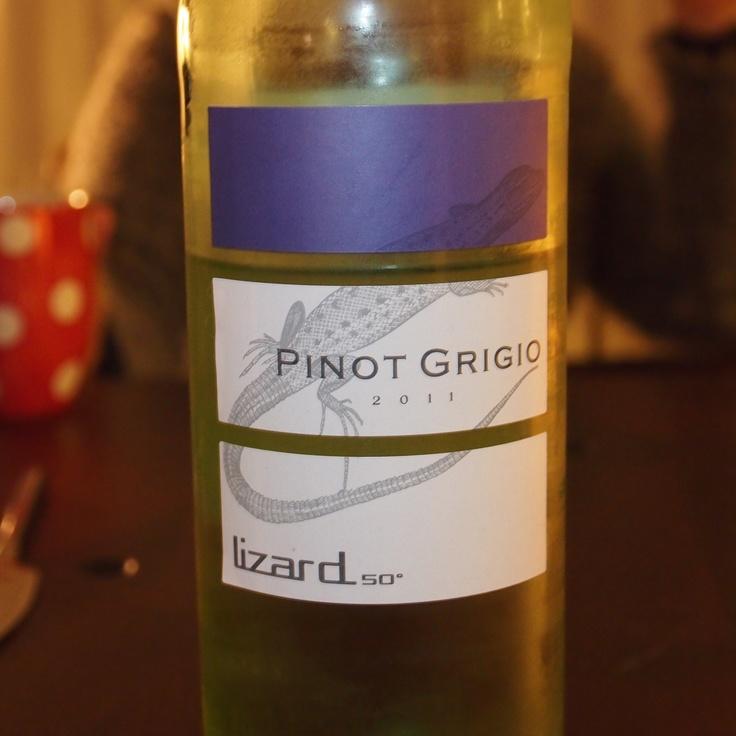 Een heerlijke Pinot Grigio. Etiket is al mooi, en de wijn is heerlijk - 6 oktober 2012 - Duits overigens... ****