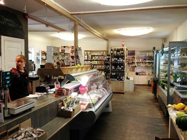 NOP Tallinn: great cafe with an organic store