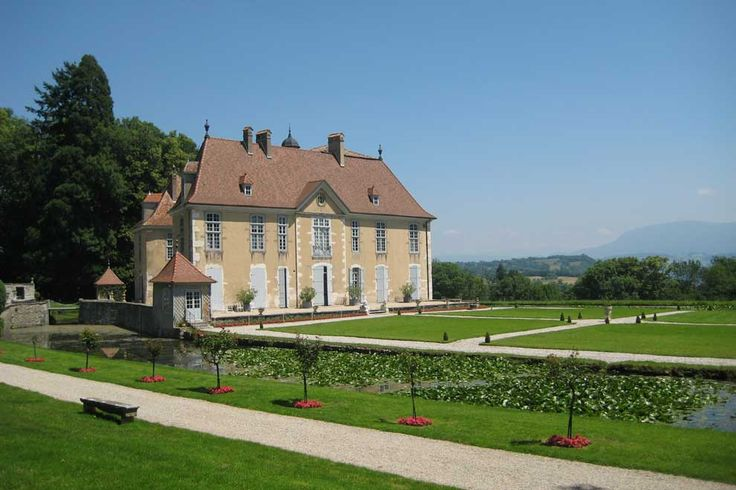 Another lovely shot of Château de Longpra - Michel & Lucinda's French home in Kiss Of The Dragon.