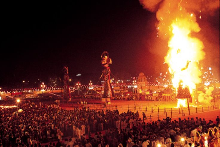 Did you know that celebration of the Hindu Festival of Dussehra, which celebrates Lord Rama's vanquishing of the Demon Lord - Ravan, was started in 17th Century in Mysuru.  #Dussehra #Fsetival