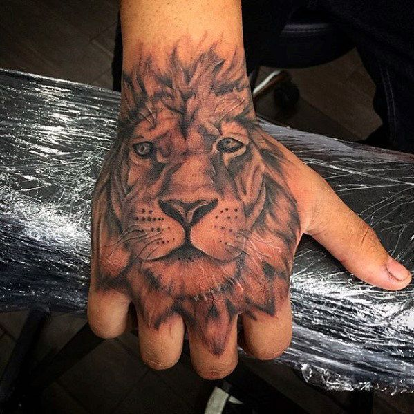 Image Result For Lion Tattoos Hand Hand Tattoos Lowe Hand Tattoo Herren Hand Tattoos