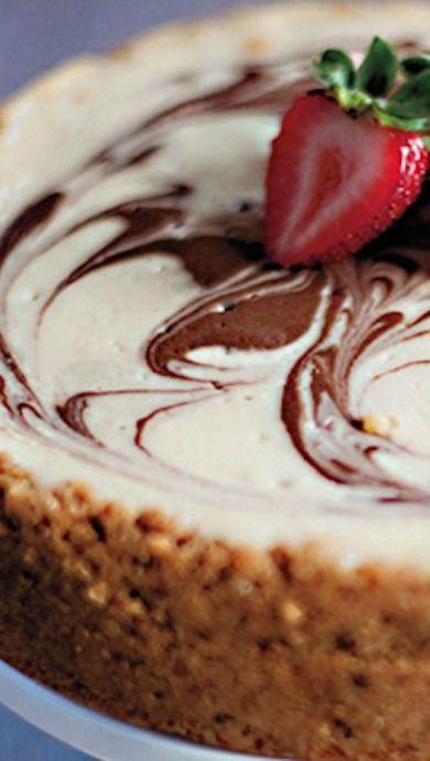 Banana Split cheesecake with chocolate, bananas and strawberries!