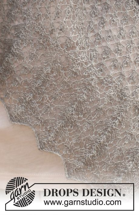 """Sweet cloud / DROPS 146-24 - Gestricktes DROPS Tuch in """"Lace"""" mit Lochmuster."""