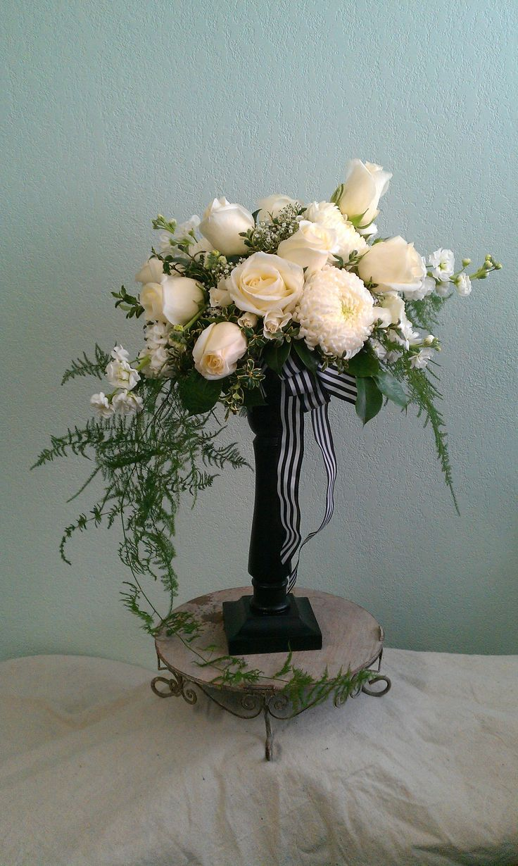 17 best images about flowers inverted crescent on for Crescent bouquet