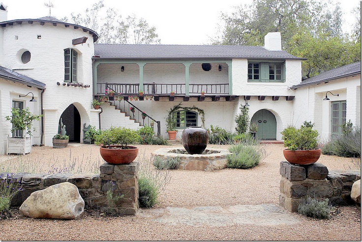 The u shaped gravel courtyard as it looks under reese for U shaped house with courtyard