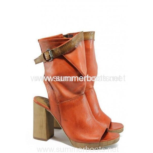 Летние открытые кожаные боты на толстом каблуке красного цвета  Оплата и Доставка Обратите внимание! На сайте представлена лишь незн�