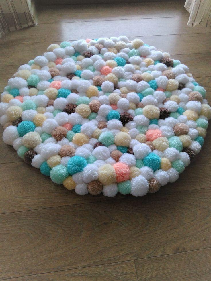 Pom pom rug/handmade bathroom mat/home decor/pom pom baby carpet/nursery room/fluffy/multicolor/kids room decor