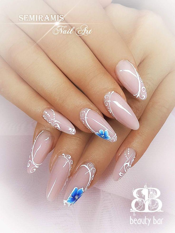 Gel Nägel nackt, blaue Blumen & weiße Linien Dekoration – Nägel – #amp #blaue #Blumen #Dekoration #Gel