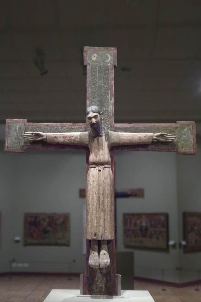 Cristo románico. Majestat de Sant Boi de Lluçanés, siglo XII. Osona. Museo episcopal de Vic.