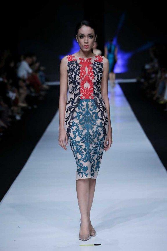 Albert Yanuar Spring Summer 2014. Jakarta Fashion Week. Love it!