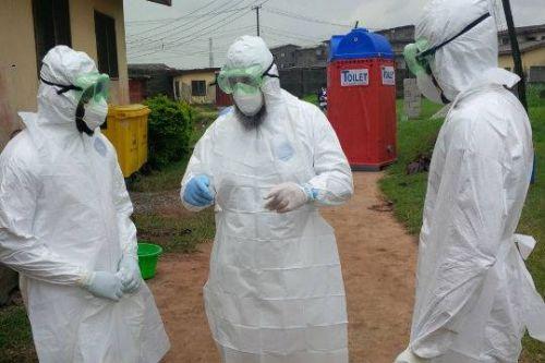 Медработник, которая лечила больных Эболой в Сьерра-Леоне, по прибытию в Нью-Джерси сразу была помещена под карантин. Власти американского штата опасались, что она могла заразиться опасным заболеванием во время контакта с пациентами. Женщи...  #американского, #больных,  #Likada #PRO #news #новость