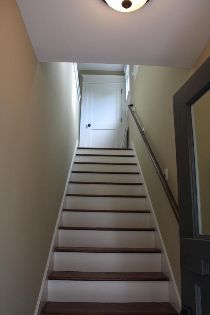 Lighting Basement Washroom Stairs: Garage Apartment