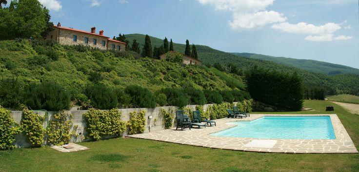 #pool Villa Poggio dei Cipressi #Tuscany #Landscape near #Arezzo in #Casentino region  1 salvataggio